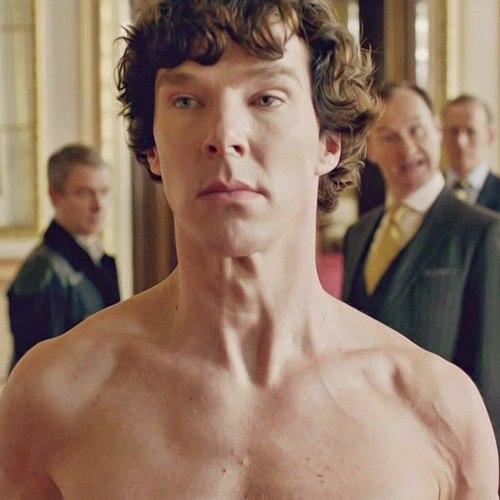 Sherlock nu, no Palácio de Buckingham
