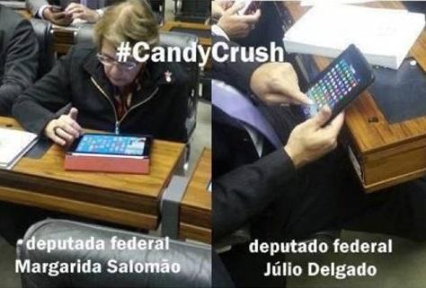 deputados jogando candy crush